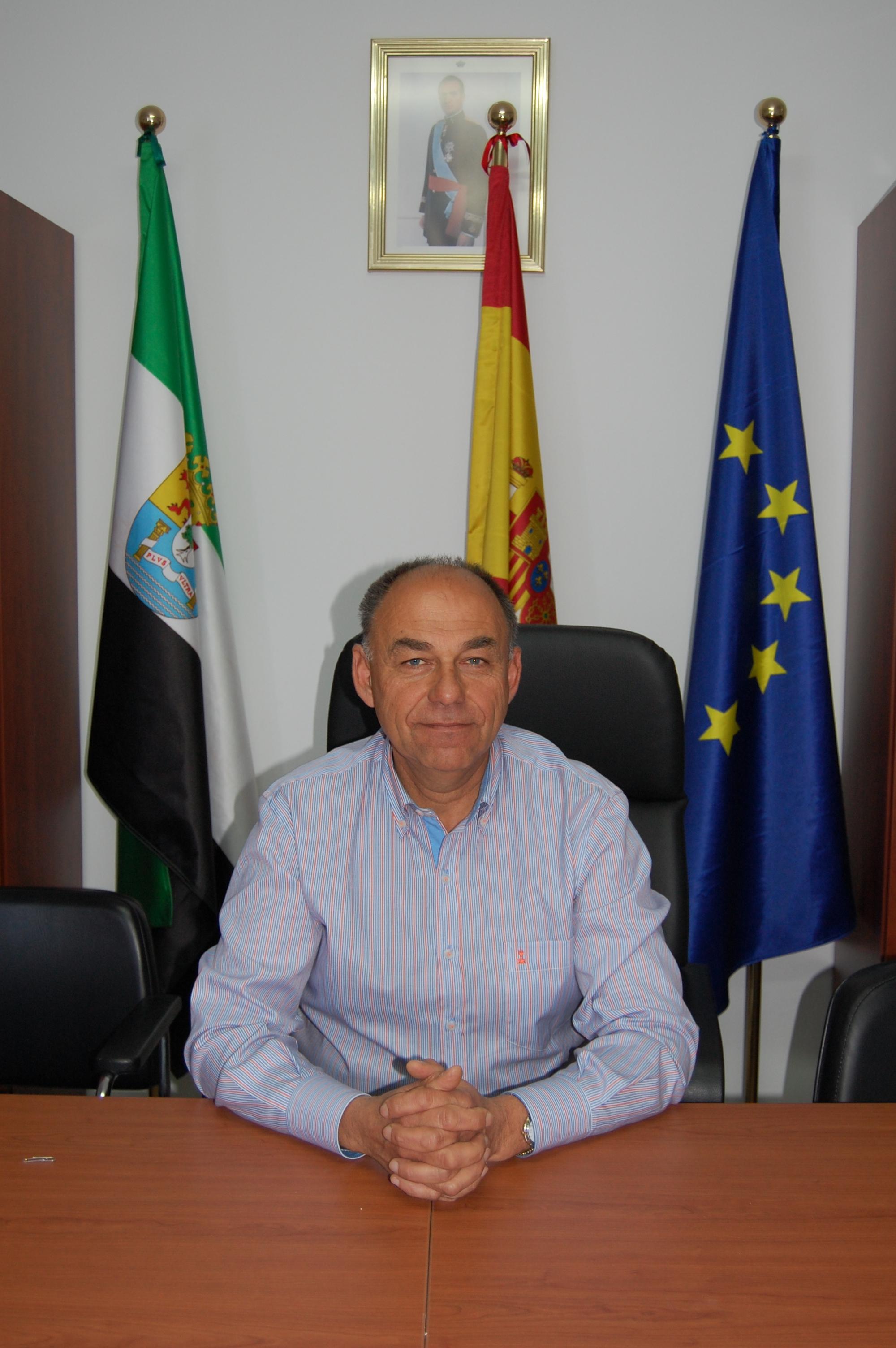 El alcalde de Millanes denuncia a dos vecinos por insultos, amenazas e intento de agresión