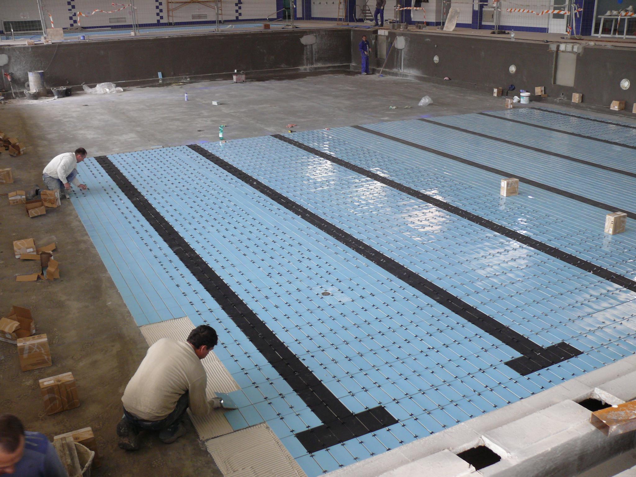 La piscina climatizada podr a abrirse en la fecha prevista for Piscina climatizada navalmoral
